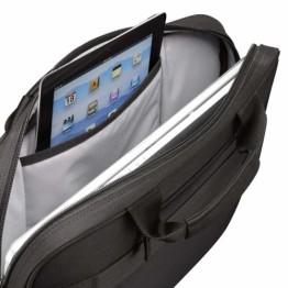 Geanta laptop Case Logic DLC 117 , 17.3 inch , Poliester , Negru